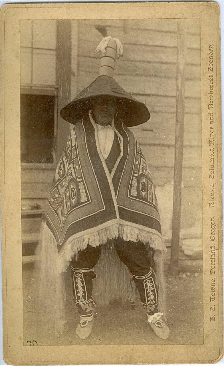 1880. Тлинкит в традиционной одежде