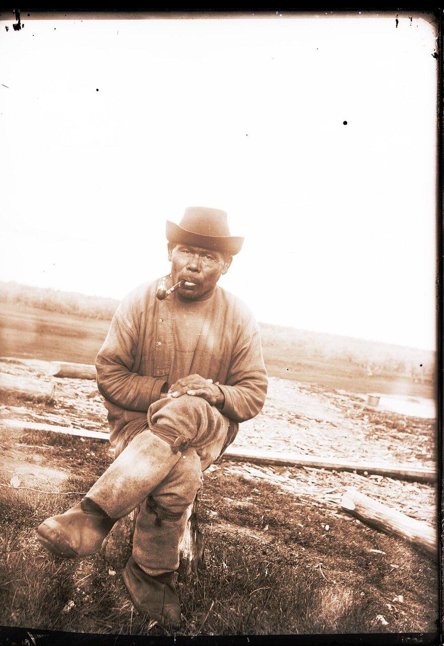 1912. Село Ларьяк. Местный остяк