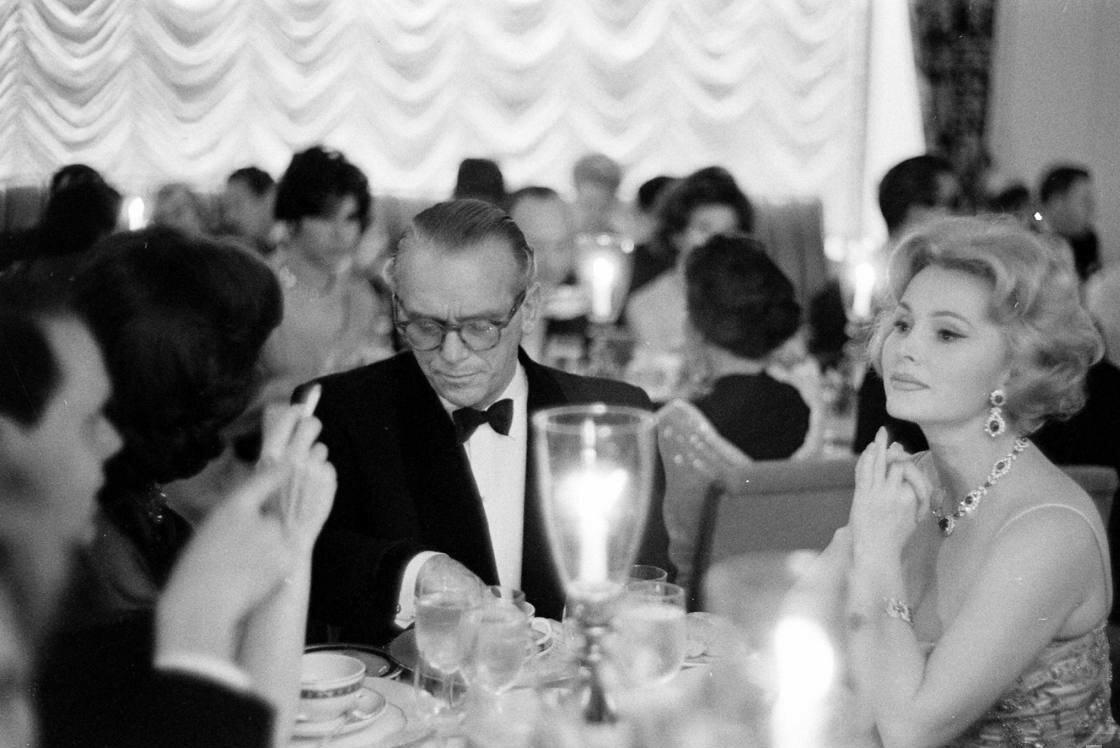 1959. Жа Жа Габор на вечеринке у Али Хана