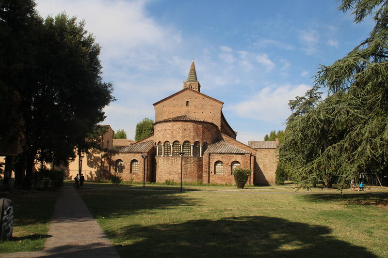 Равенна. Сан-Джованни-Эванджелиста, Сант-Апполинаре-Нуово, дворец Теодориха