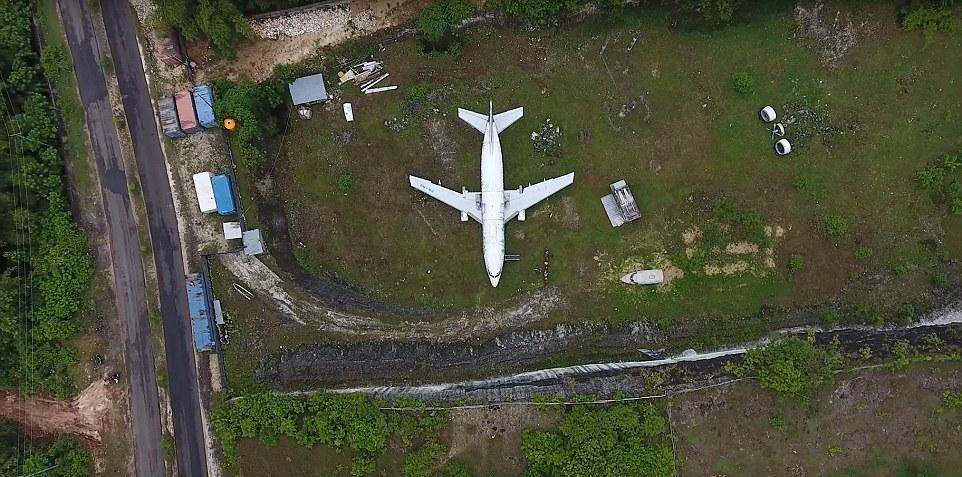 Таинственный заброшенный Boeing 737 на Бали