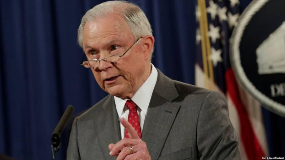 США: Сешнс пока не будет назначать второго спецрозслідувача в деле о «российский след»