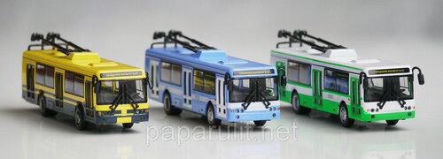 Тролейбус игрушечный