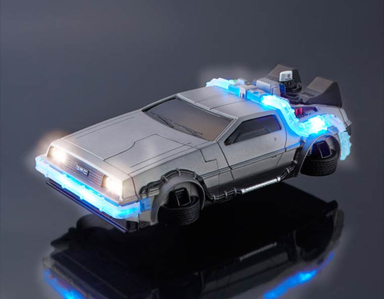 Transform your iPhone into a DeLorean (10 pics)
