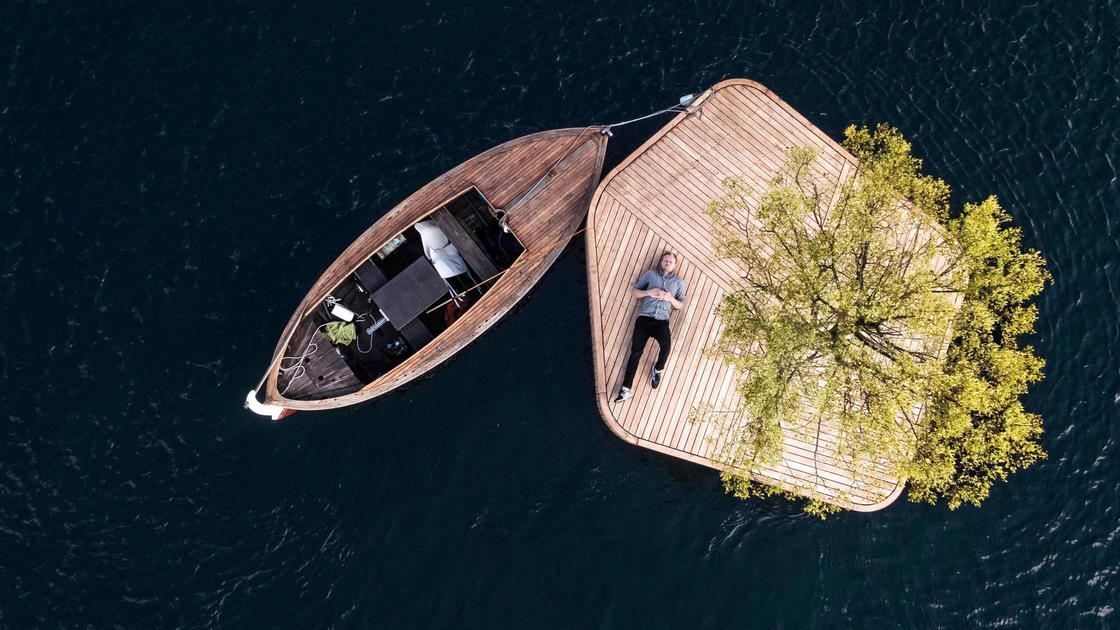 This small artificial island is thought of as an oasis of relaxation (8 pics)