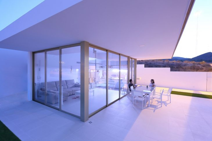 Cantilevered Porch House by Pepa Diaz