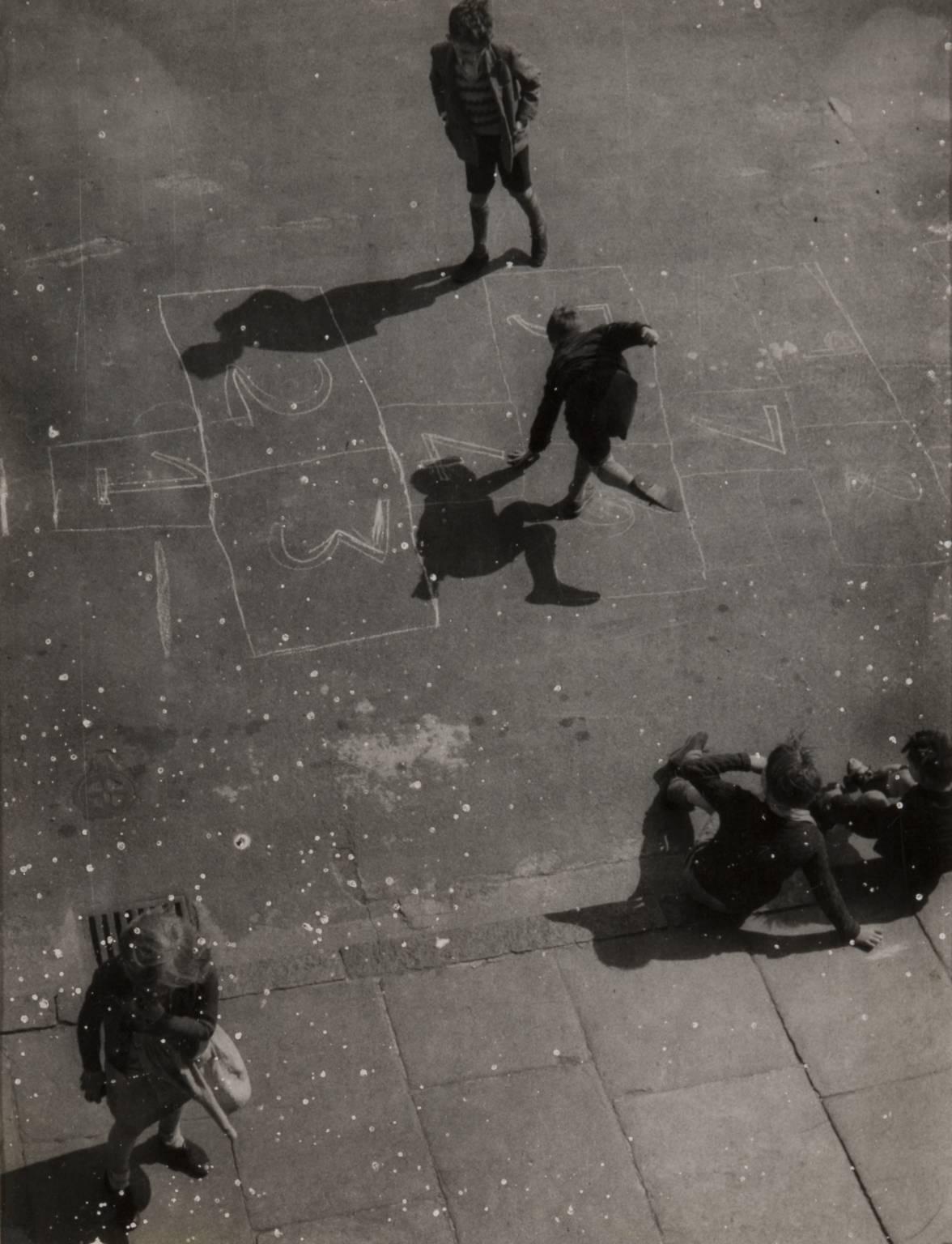 Чизендейл-роуд, район Боу, 1951