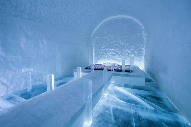 ice-hotel-sweden-13.jpg