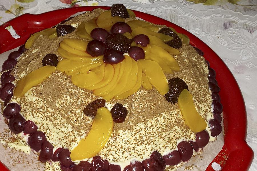 Торт «Фруктовое чудо с тирамису»