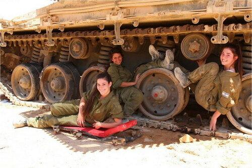 0 179df6 cd310e53 L - В израильской армии есть, на что посмотреть