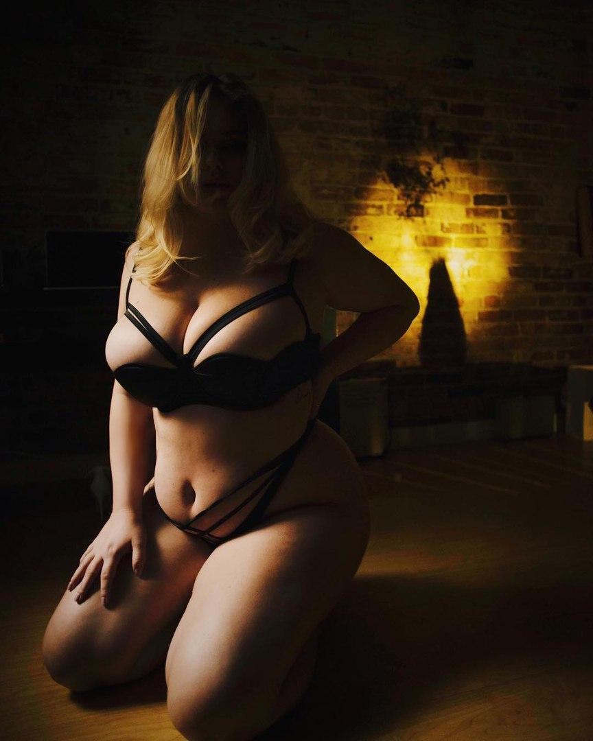 Фотоподборка девушек с пышными формами плюс сайз (35 фото) 18+