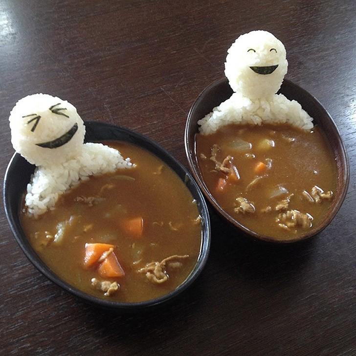 8. Довольные рисовые человечки в карри