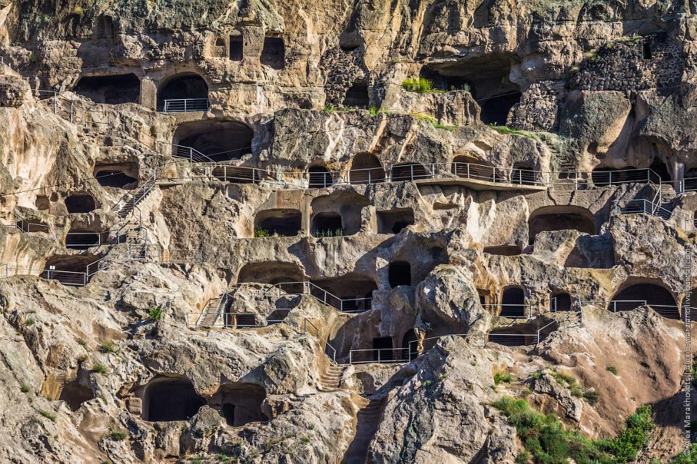 Пещерный фотограф    23. Я побывал в пещерах Ванис-Квабеби дважды и провёл там