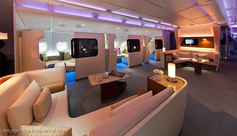 Для пассажиров первого класса установлены индивидуальные купе: