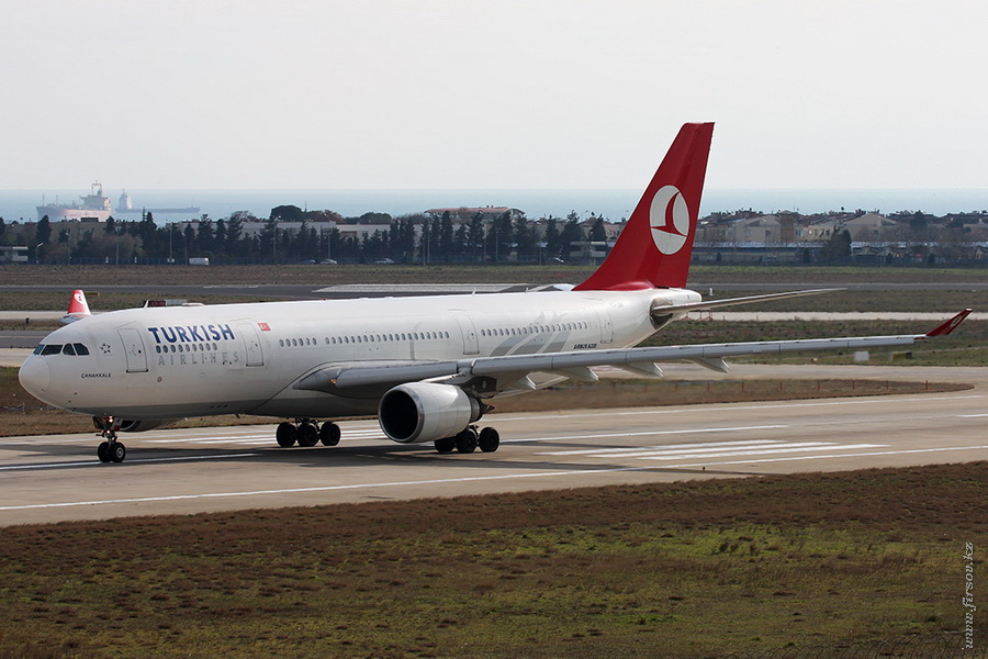 A-330_TC-JNF_Turkish_Airines_1_IST_for_.JPG