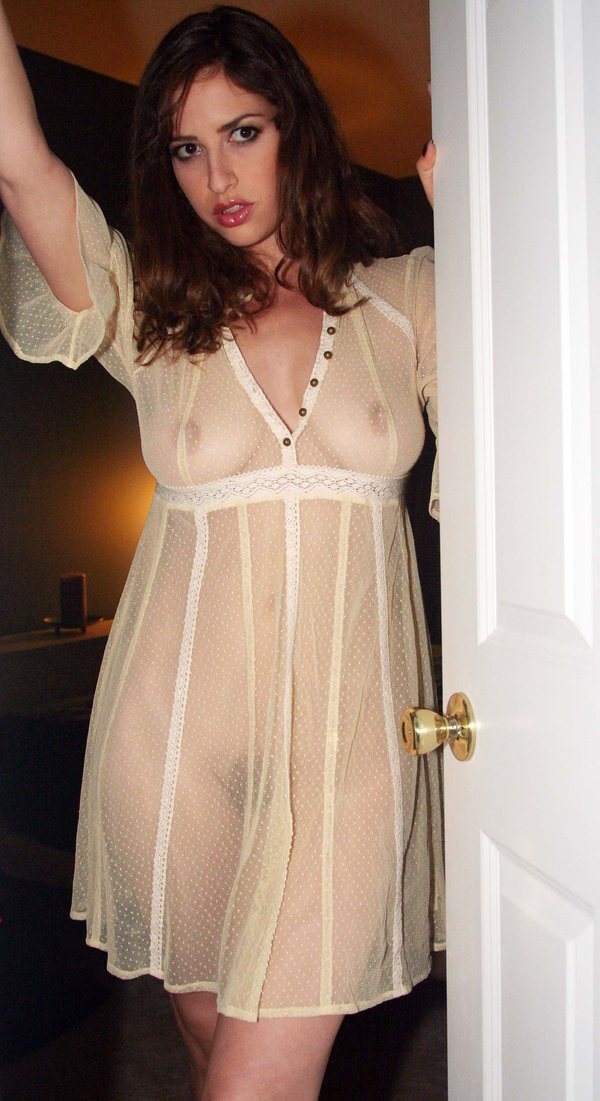 Teen nude nightgown