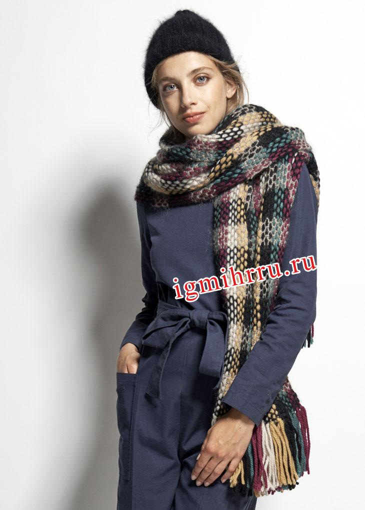 Осенне-зимний комплект: шарф в клетку и черная шапочка. Вязание крючком и спицами