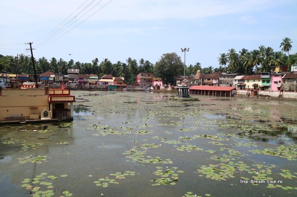 Святое озеро Коти Тиртха (Koti Teertha) в Гокарне