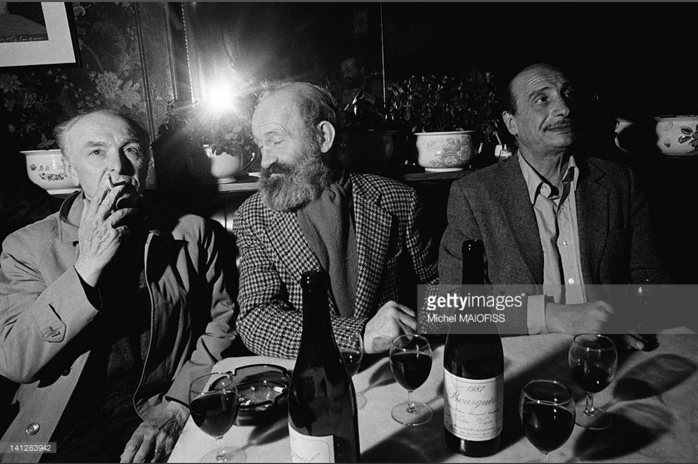 1989. Робер Дуано в кафе Хамелеон с писателем Антуаном Блондин и фотографом Эдуардом Буба