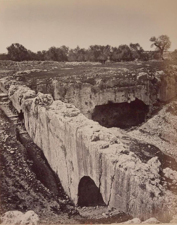 13. Иерусалим. Гробница царей