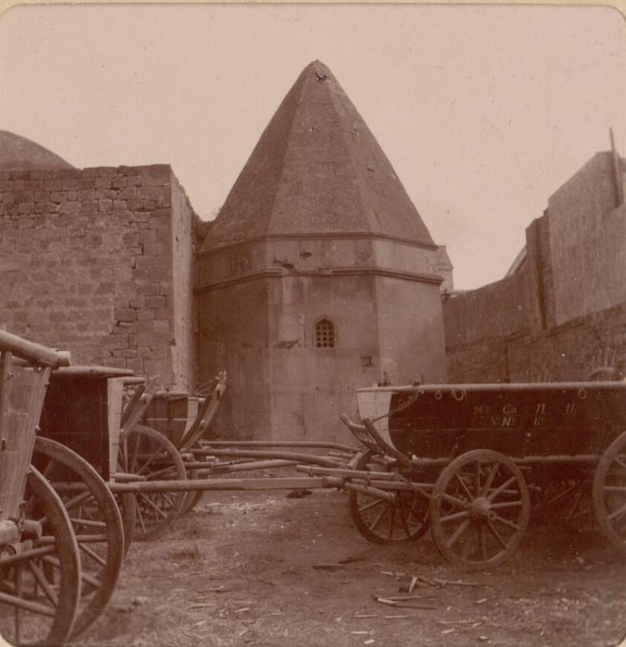 11. Баку. В крепости