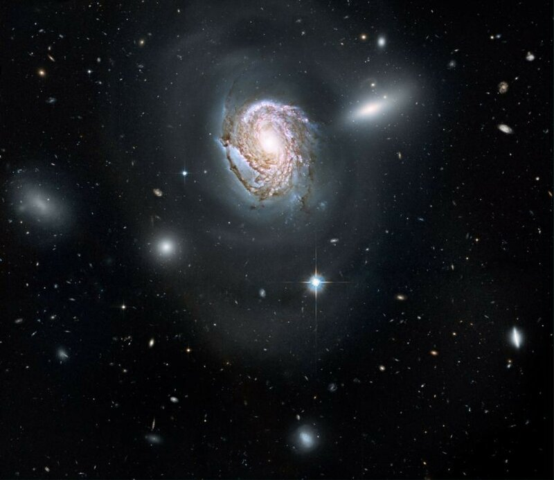 Coma-Cluster-of-galaxies-NGC-4911.jpg