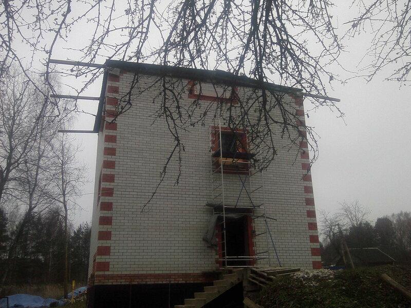 Временная крыша со стороны.