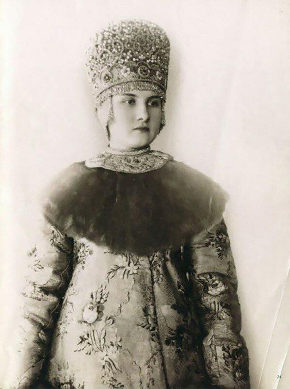 0 17a7ed 56749865 XL - Девушки в древних славянских костюмах на старинных фотографиях