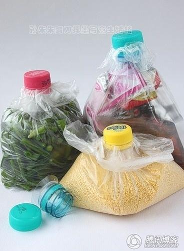 23. Крышками от бутылок можно закрывать пакеты. Только прежде чем надевать крышку, убедитесь, что пр
