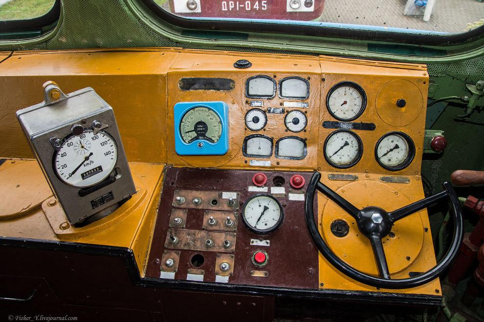 30. Грузо-пассажирский тепловоз М62 №1003. Построен в 1970 году на Луганском тепловозостроительном з