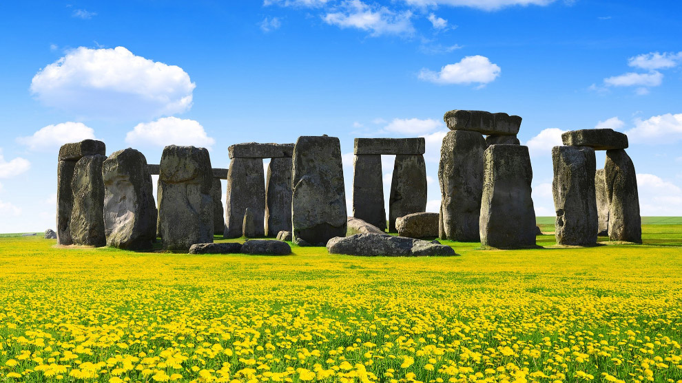 Самые ярые критики Стоунхенджа заявляют, что и камни там уже «не настоящие». Но тут они, конечно, пе