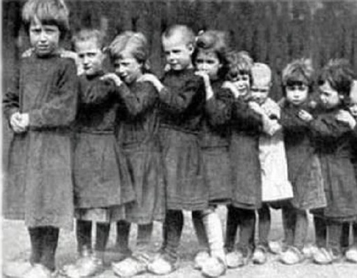Первым встал на защиту мальчишек и девчонок директор детского дома Михаил Степанович Форинко. Конечн