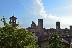 Бергамо называют городом ста башен