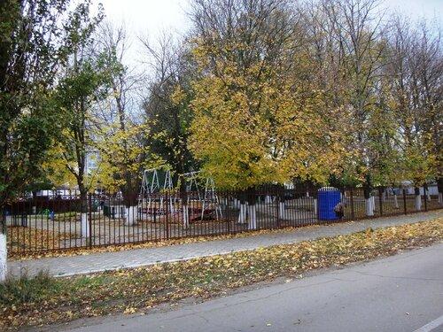 У парка ... На финише октября, в городе у моря Азовского. (97).JPG