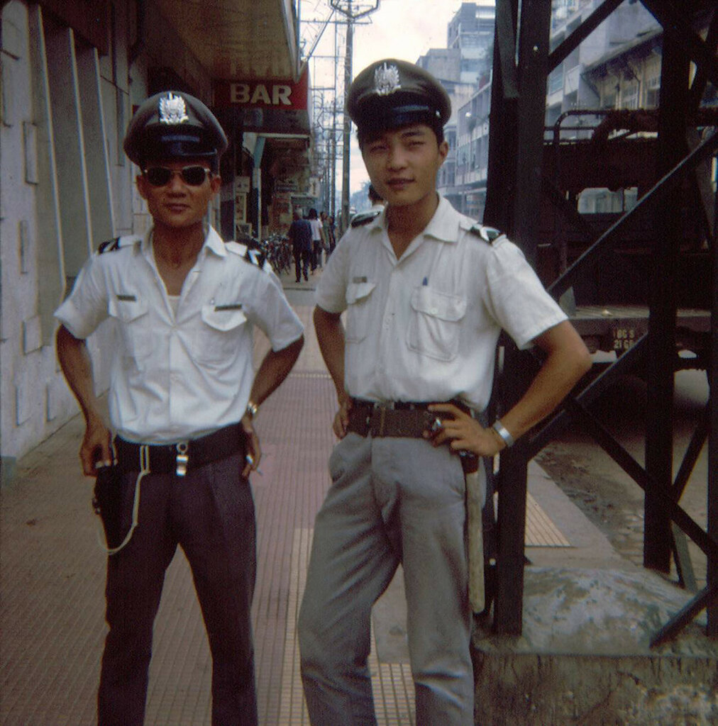 saigon-1966-by-jon-w-madzelan---hai-cnh-st-vin-ti-gc-ng-ng-khnh-ng-quyn_33814455972_o.jpg