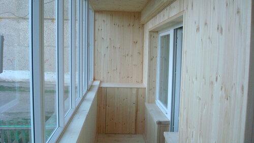 Чем выполнить отделку балкона изнутри?