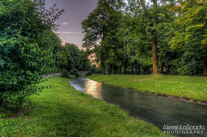 Английский сад в Мюнхене - Englischer Garten in Munich. Germany Photo by Alessio La Spada (500px.com/photo/12024441)