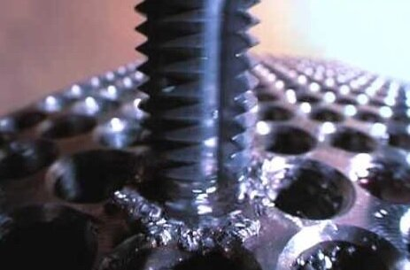 Tap for threading on CNC machine