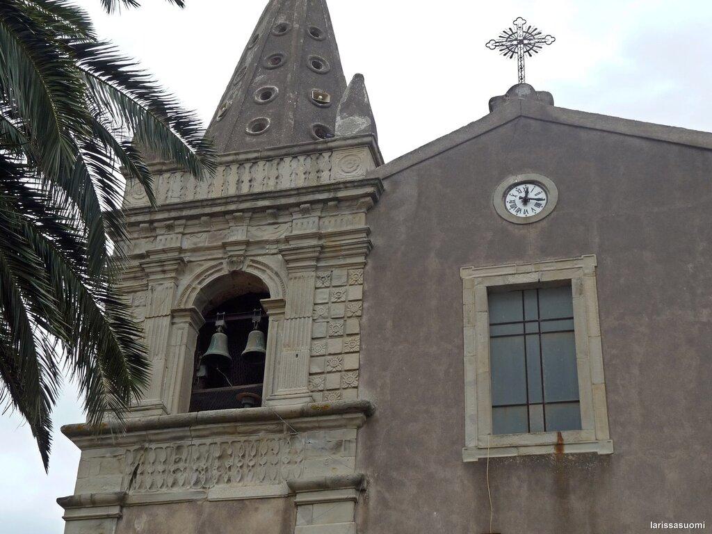 Forsa d'Agro. Колокольня церкви Св. Троицы, 15 в.