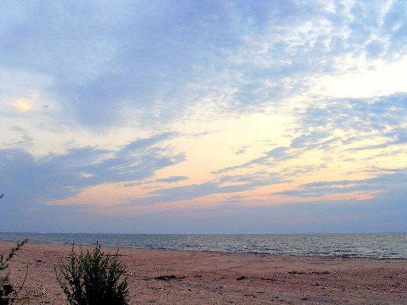 Вечер, берег Азовский...
