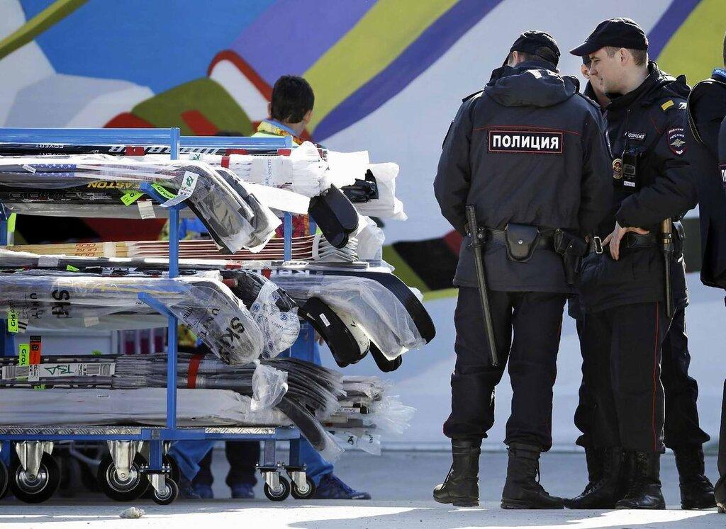 Полицейский патруль на олимпийском объекте