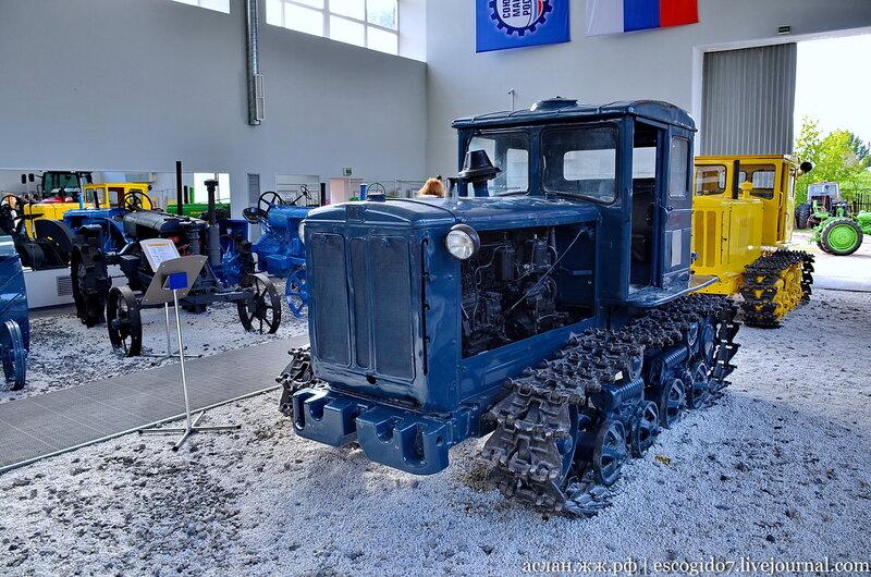 Тракторные музеи/выставки/памятники