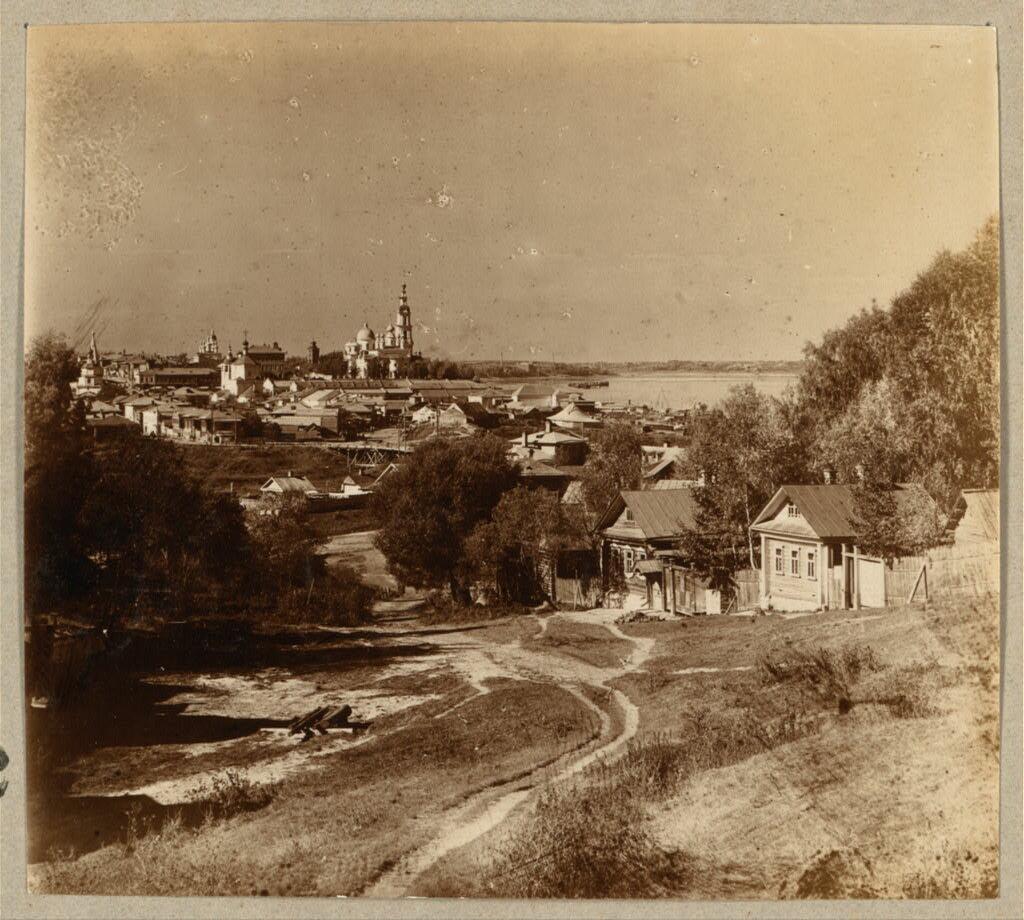 Вид на г. Кинешму с Заречья. 1910