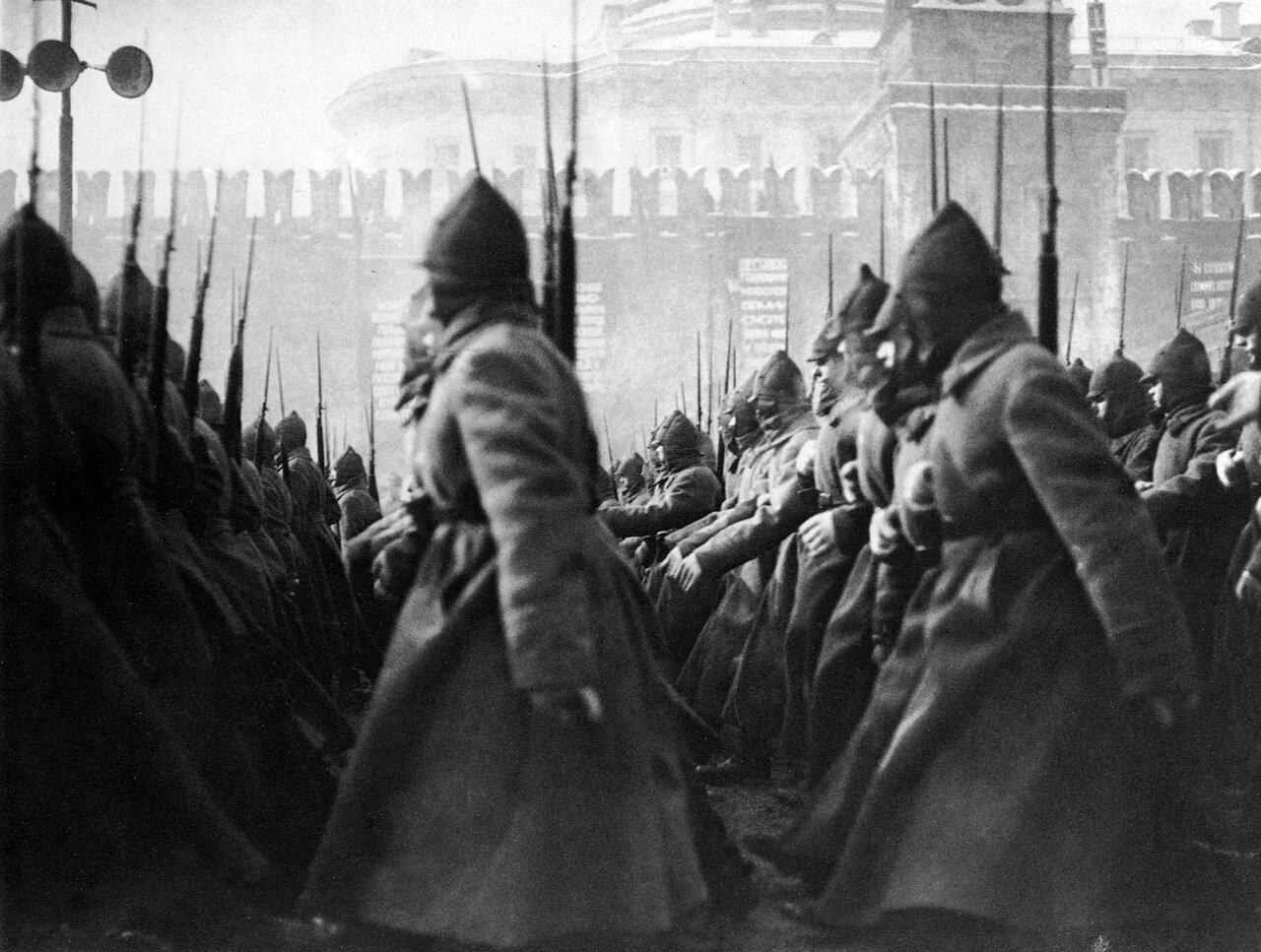 1927. Парад на Красной площади. Москва.