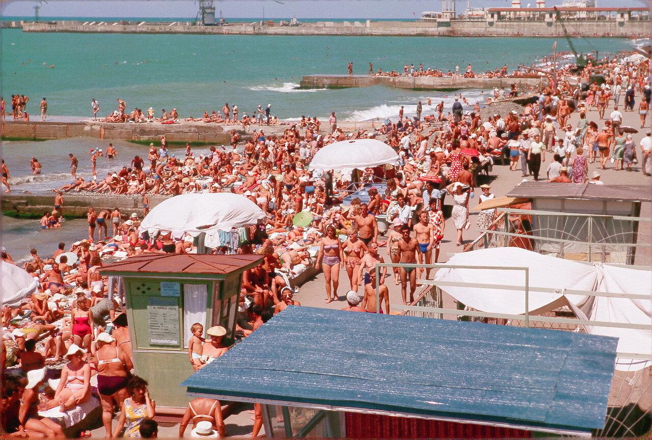 фото ссср 70-е годы пляж мамы