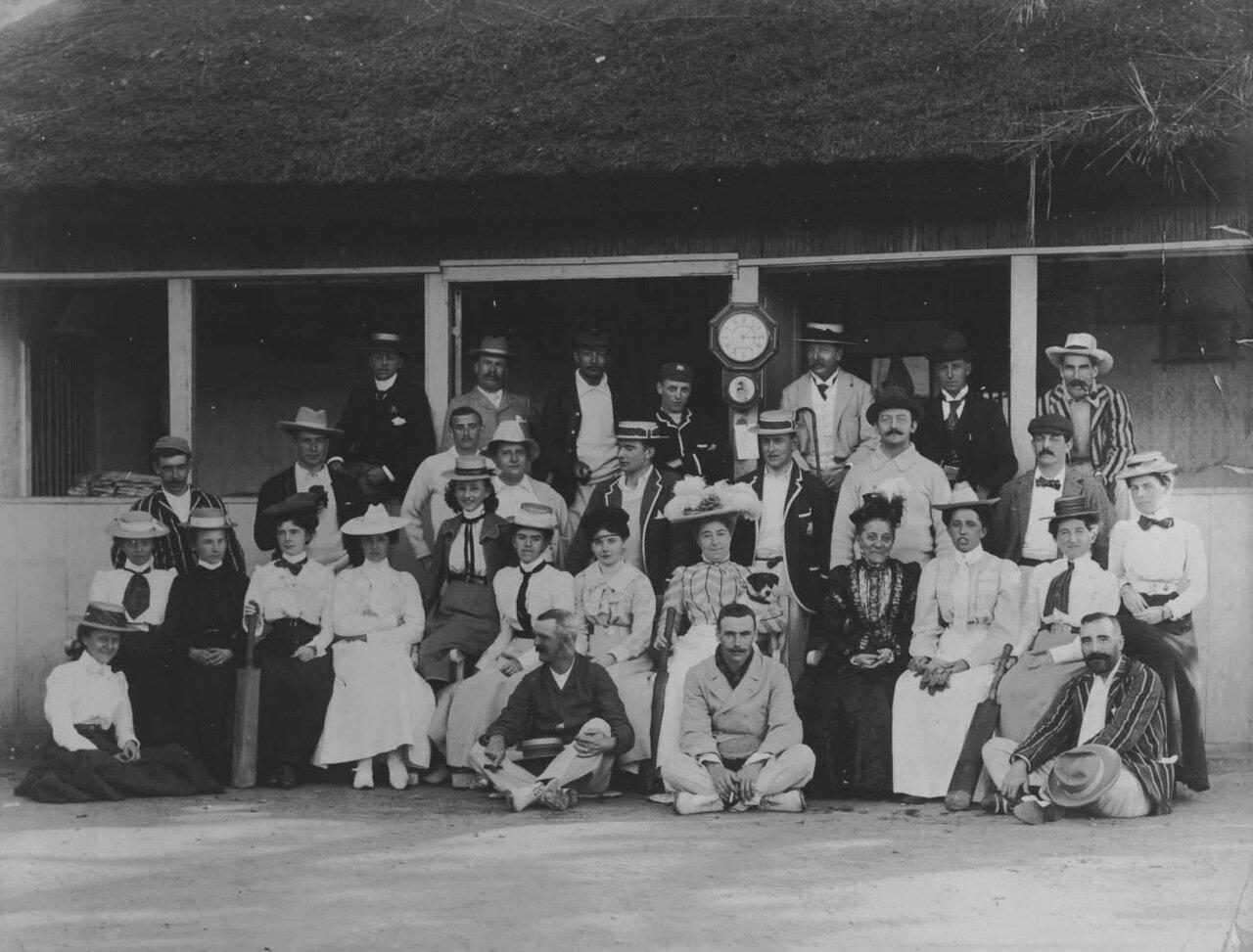 1880. Матч по крикету между дамами из Кобе мужчинами из Йокогамы и Шанхая