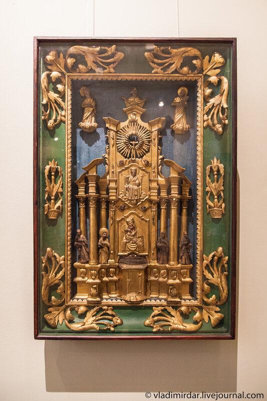 Скульптурная деревянная икона