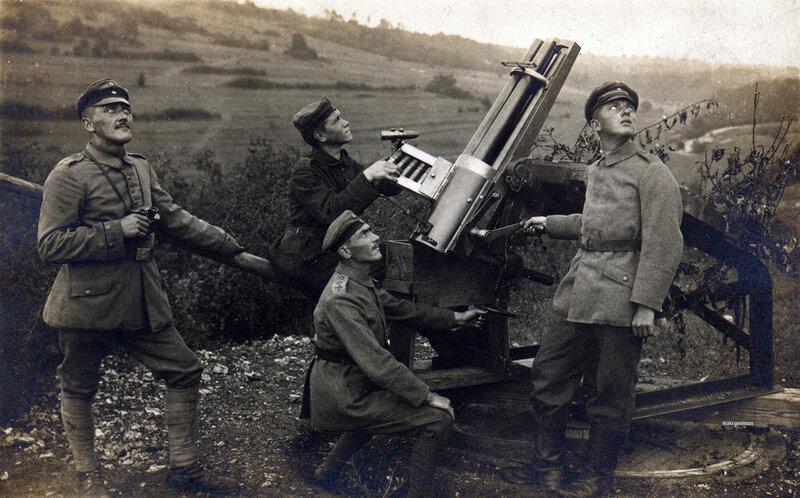 Members of Luftschiffer-Bataillon Nr.1 manning a 3.7 Gruson-Hotchkiss Revolverkanone