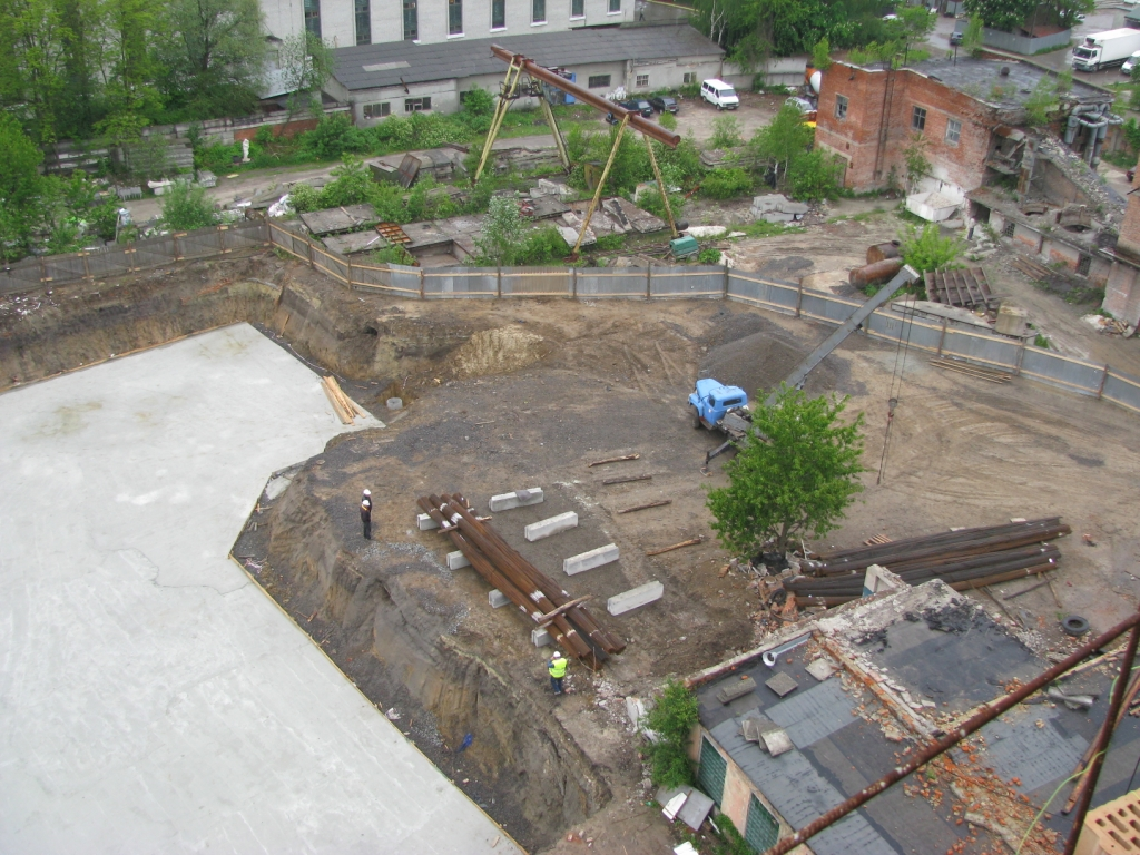 Фундамент і будмайданчик Тернопільська 21 В
