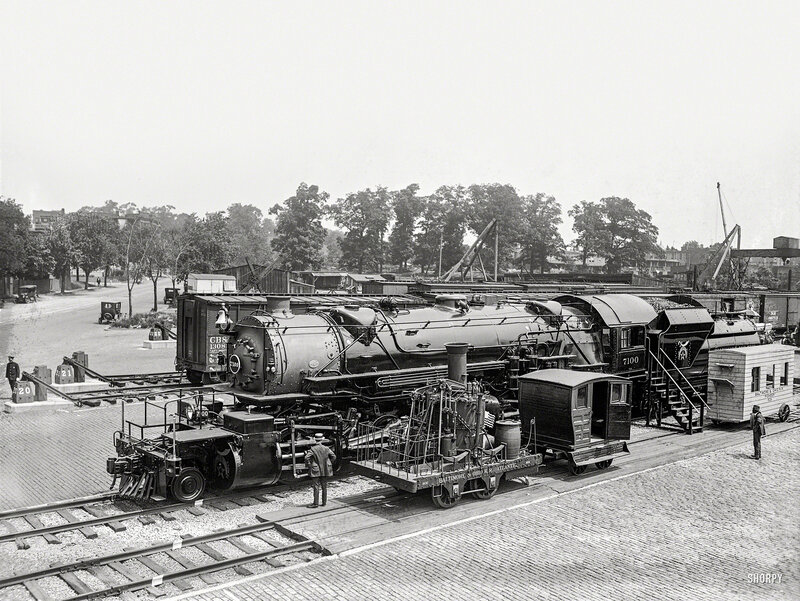 Past and present in locomotives. Eckington Yards, June 4, 1923